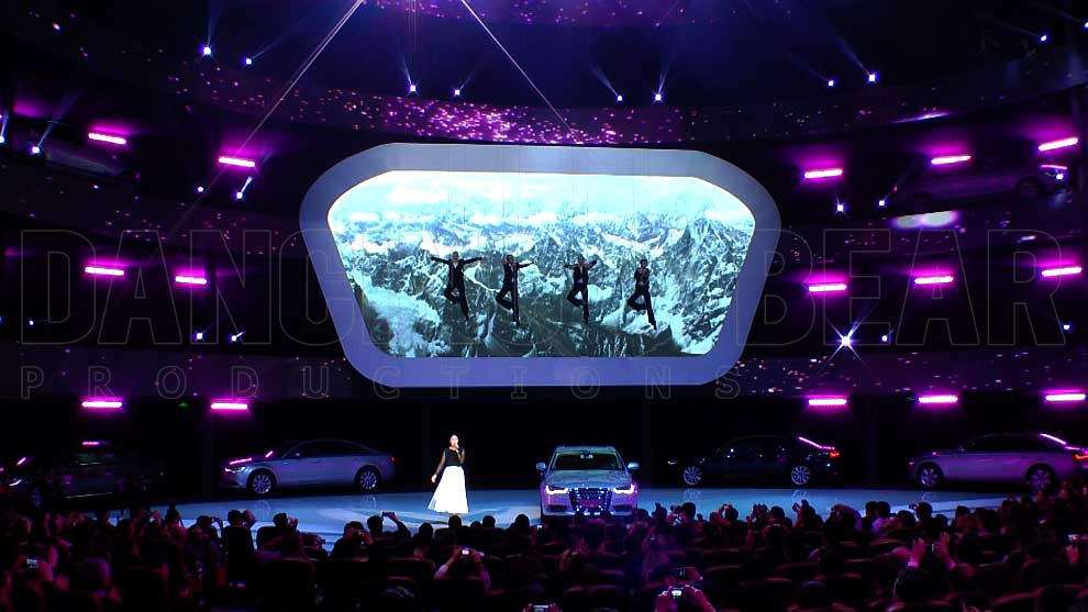 AUDI A6L PRESENTATION CHINA 2012 - Aerial Artists with Singer
