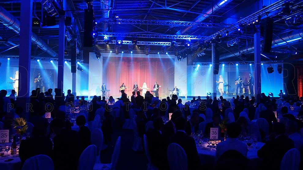 Samsung IFA CE Gala Dinner - Singer with Band