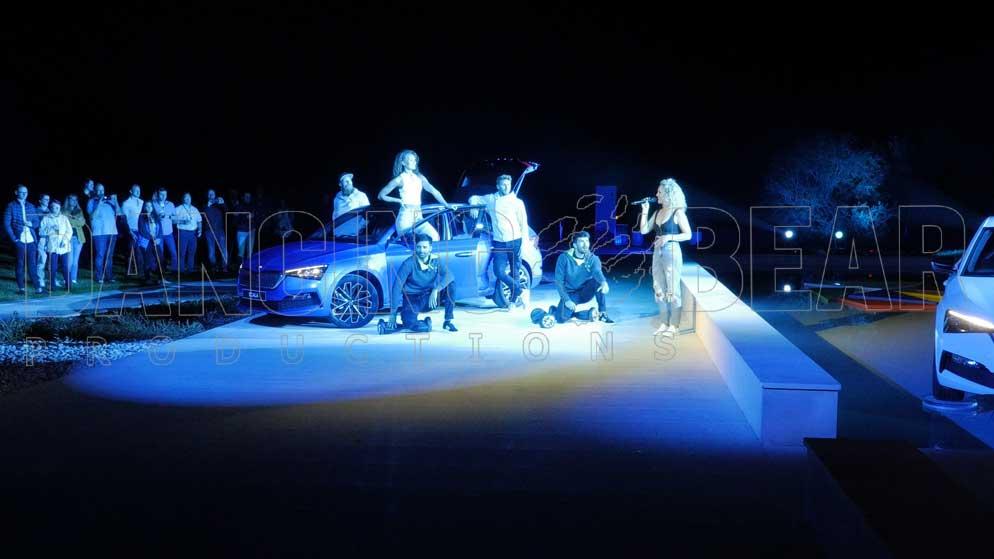 ŠKODA Dealer Event - Dancers and Car